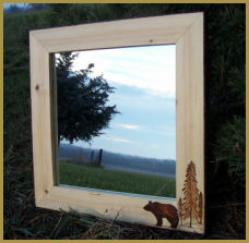 Wildlife Wall Mirror: Bear