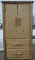 Grizzly Armoire: Pine Front